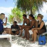 PADI IDC Phiippines. IDC Candidates giving open water briefing
