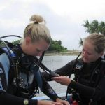 PADI IDC Phiippines. IDC Candidates practising their demonstration quality skills